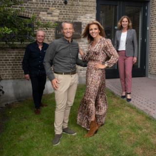 Guido Hoffman, Michael Zijlaard, Leontien van Moorsel, Manon Veldkamp. Samen fietsen voor Leontienhuis.